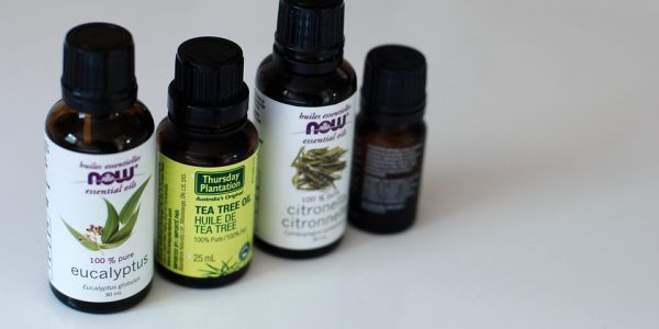 Tea Tree Oil for Acne: 7 Effective Ways to Use it