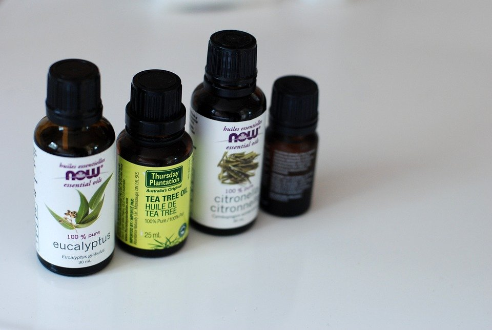 natural ways to get rid of acne tea tree oil