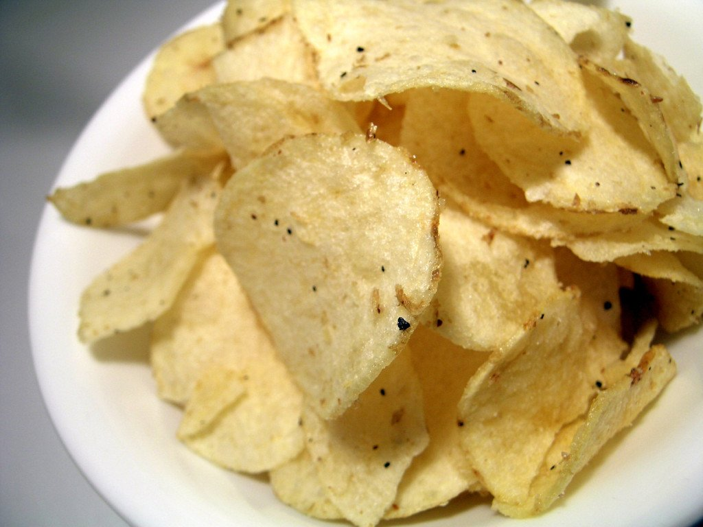 foods that cause acne potato chips
