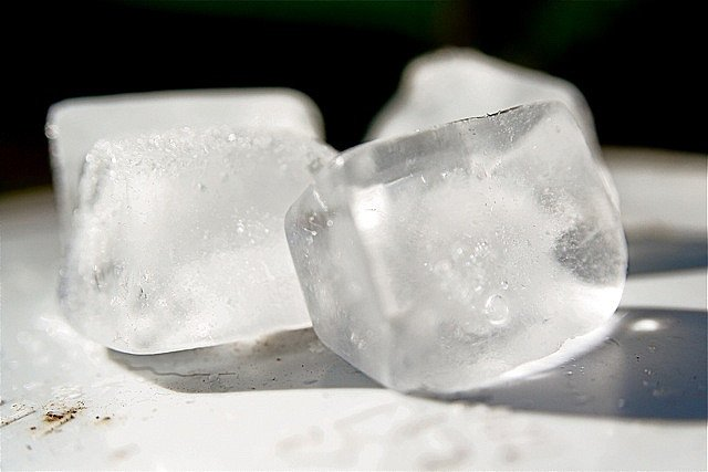 how to get rid of acne marks ice cube